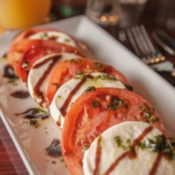 Caprese salad photos by @thefinestphoto