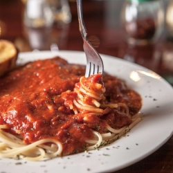 Spaghetti marinara photos by @thefinestphoto